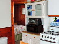 Fully stocked kitchen - Microwave, toaster oven