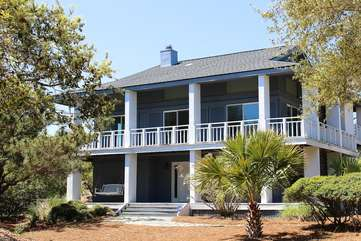 This 5 BR home is across the street from Boardwalk 3A and has golf views!