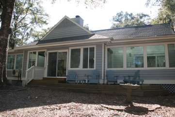 This home is perfect for families, golf groups, & friends looking to have a wonderful vacation on Seabrook.