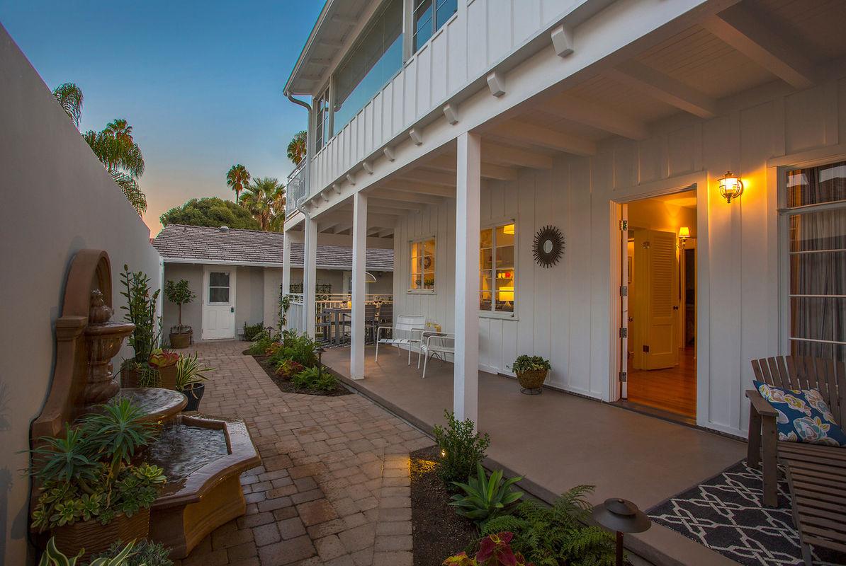 Paradise retreats the hideaway at west beach in santa for Vacation homes santa barbara