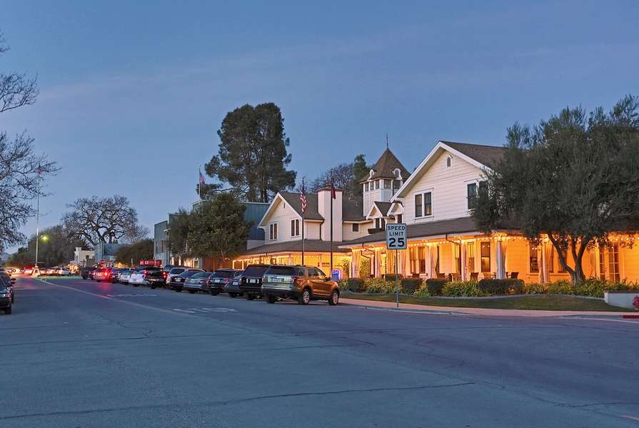 Enjoy evening strolls in downtown Los Olivos