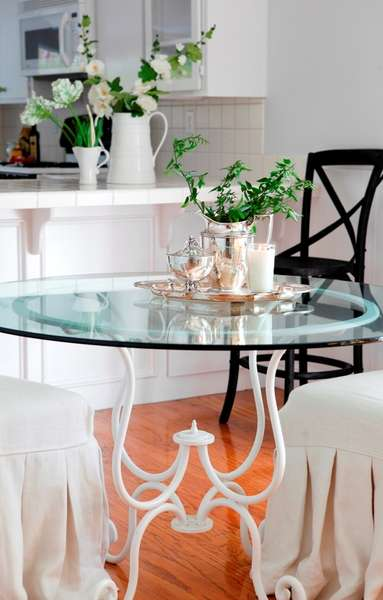 Casual elegance in Dining Room