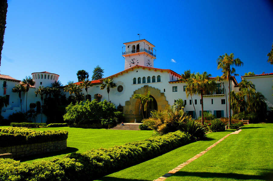 Tour the Santa Barbara Courthouse and Sunken Gardens