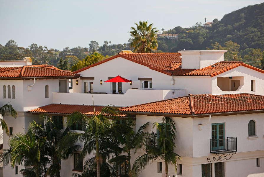 A private perch atop the street below