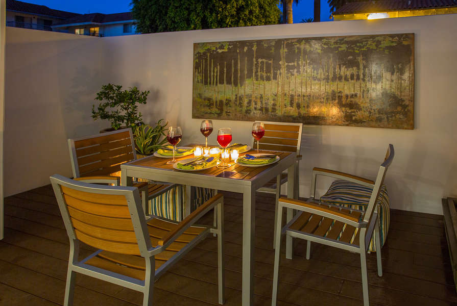 Romantic ambiance from great outdoor lighting