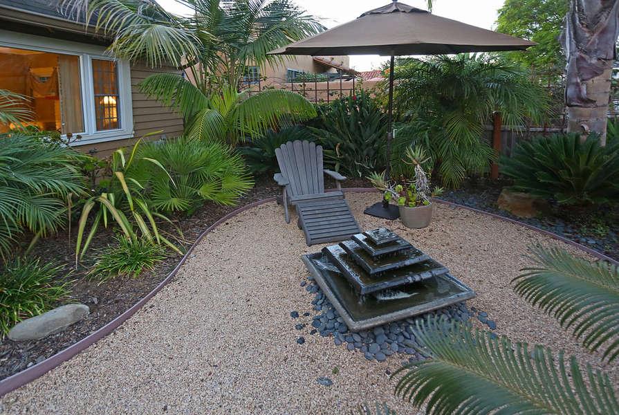 Front yard zen-like ambiance