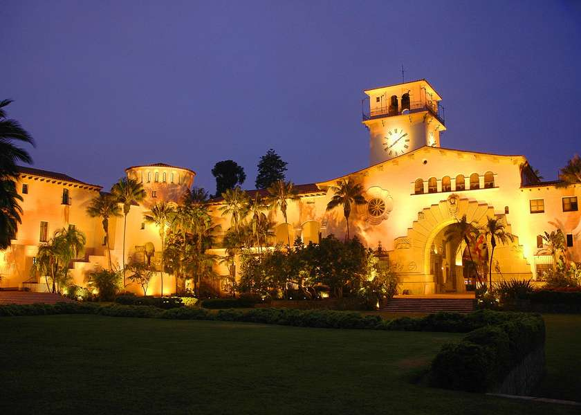 Tour the Santa Barbara Courthouse