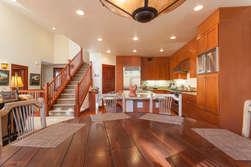 Kitchen/Table