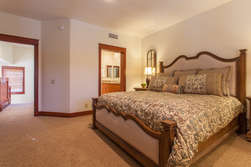 3rd Floor- Master Bedroom With Cali King Bed