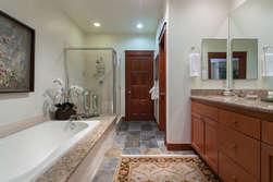 En-Suite Master Bathroom ( Shower/Tub)