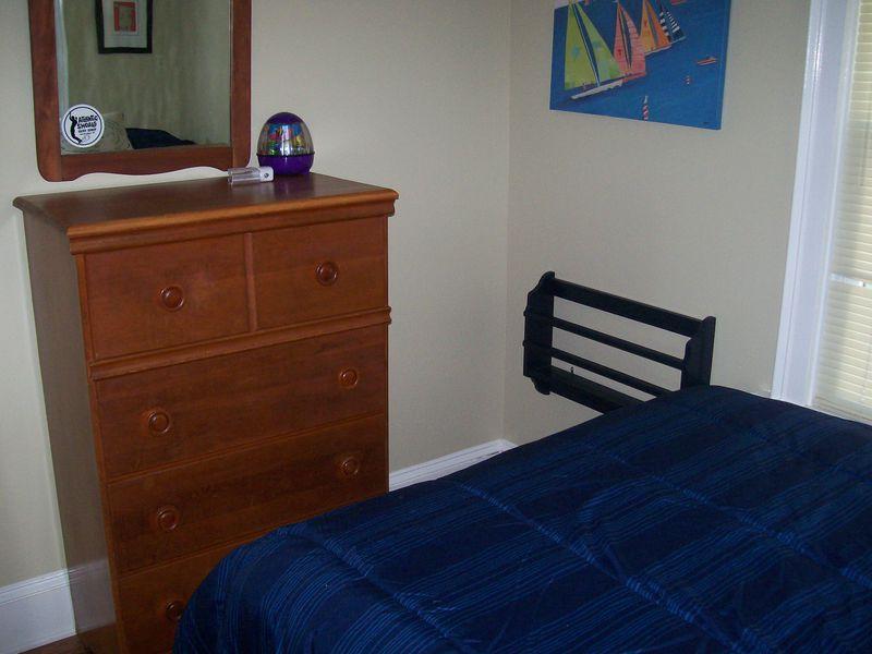 Bedroom 3, view2