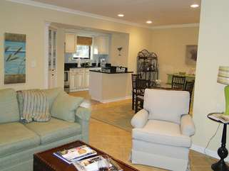 173 High Hammock has been totally renovated and has golf course views.