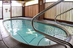 hot tub just steps away from unit #474
