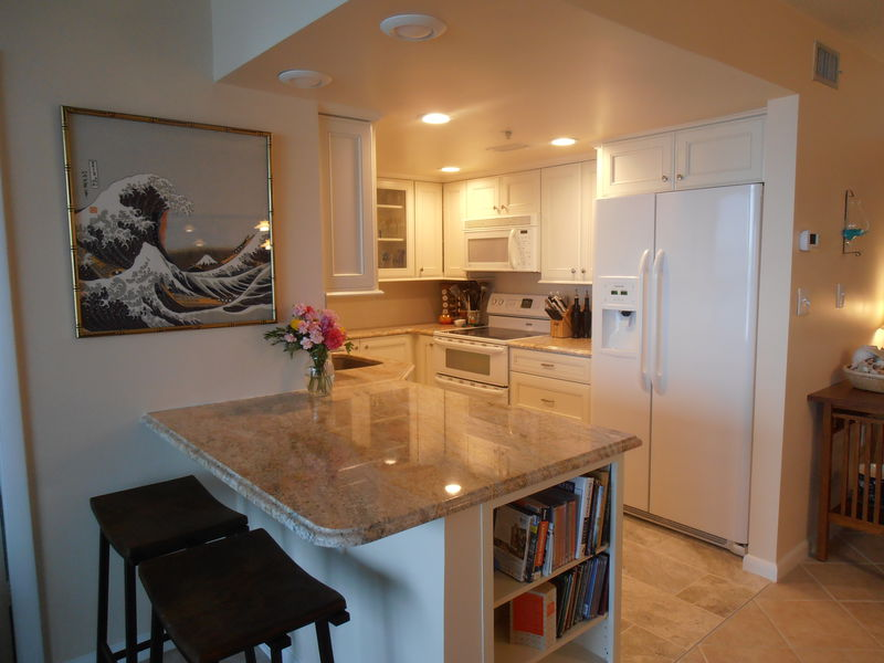 Kitchen with granite peninsula