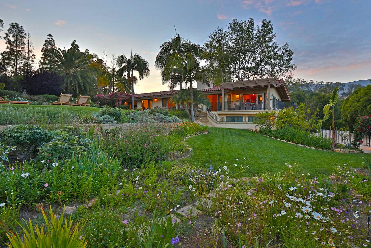 Paradise retreats whispering bliss in santa barbara for Vacation homes santa barbara