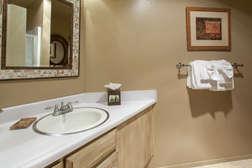 Full bathroom off living room