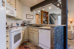 Fully Equipped Kitchen- Granite Counter Tops te Counter Tops- Three kitchen Bar Stools