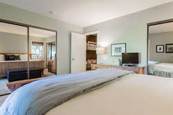 Master Bedroom- King Bed, Flat Screen TV