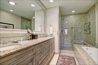 Luxurious Master Bathroom with Jetted Tub