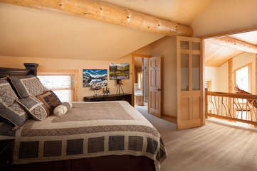 Upstairs Guest Bedroom upstairs - Star View Lodge