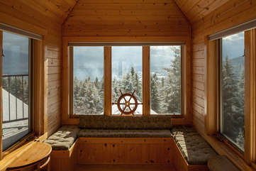 Lookout above master suite -Star View Lodge