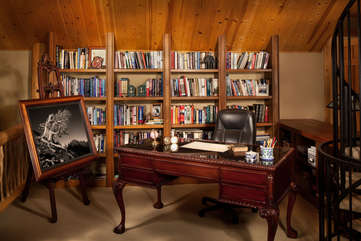 Master Suite Office -Star View Lodge
