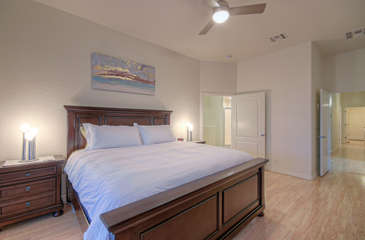 Deluxe king bed in attractive and comfortable master suite