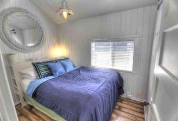 A great night sleep awaits you in the ground floor bedroom.