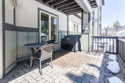 Deck with BBQ and Table/Chairs
