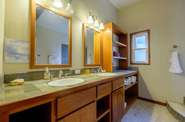 Indigo Belize 1A Master Bathroom
