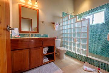 Indigo Belize 1C Bathroom 2