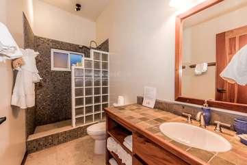 Indigo Belize 1B Bathroom 2