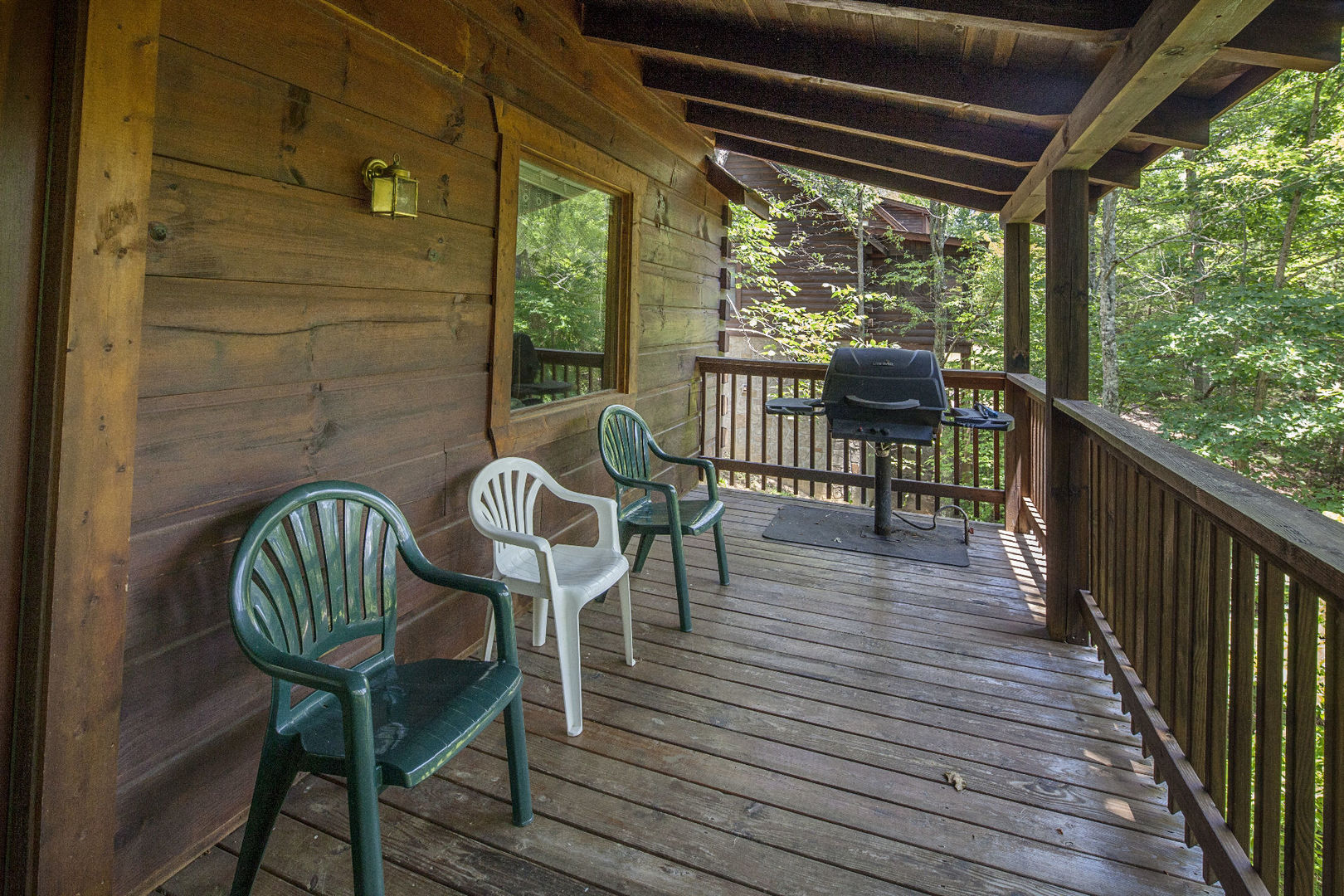 Pigeon forge cabins bear tracks 2 bedroom for 2 bedroom cabin in pigeon forge