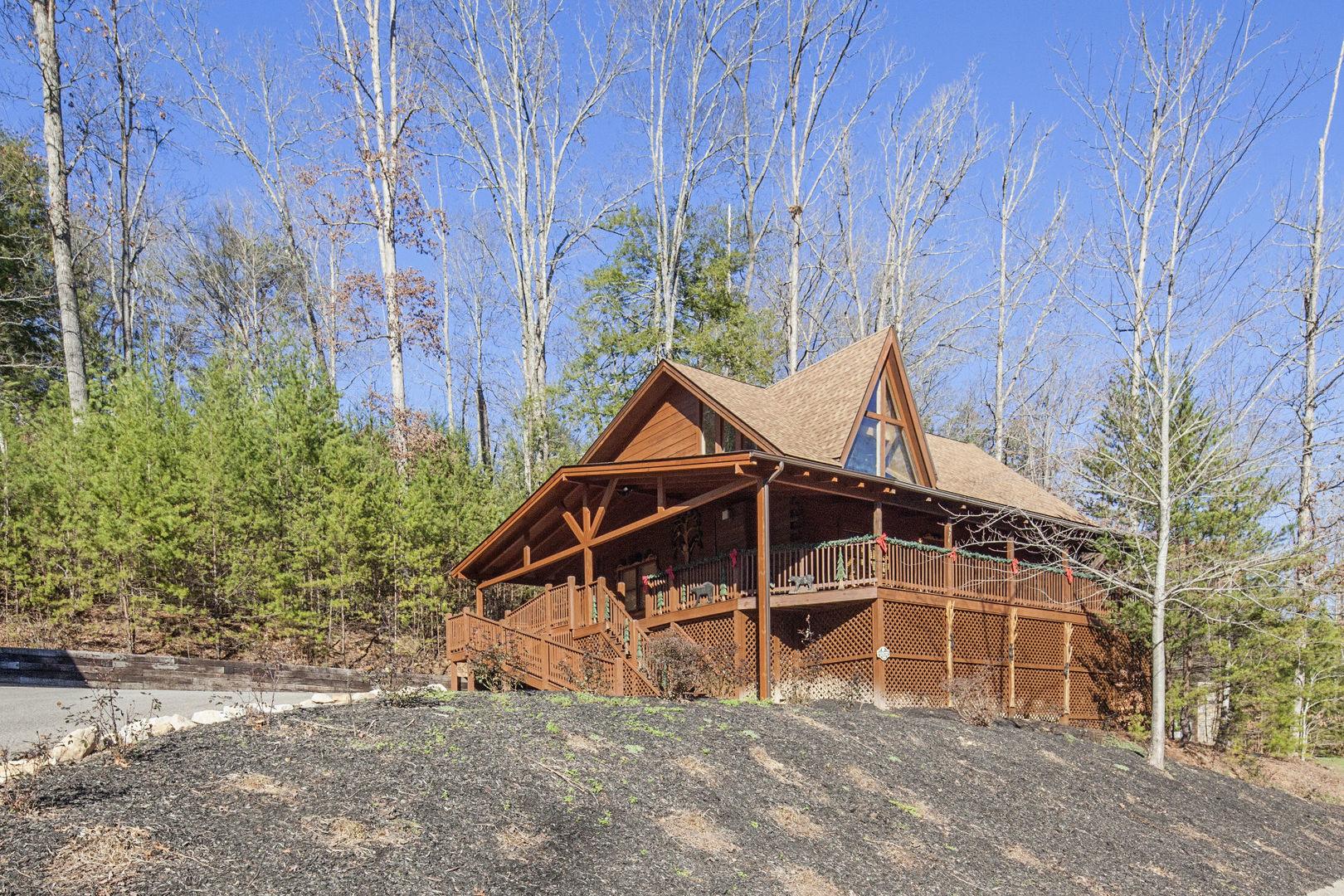 Pigeon Forge Cabins - Soaring Eagles - 4 Bedroom