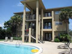 Pool AreaIsland Palms Okaloosa Island