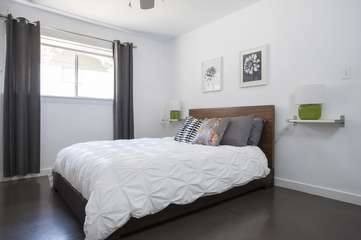 Master bedroom: Queen bed with Memory Foam Mattress and high-quality linens