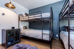 Second Bedroom with Two Sets of Twin Bunk Beds (4 twin beds total)