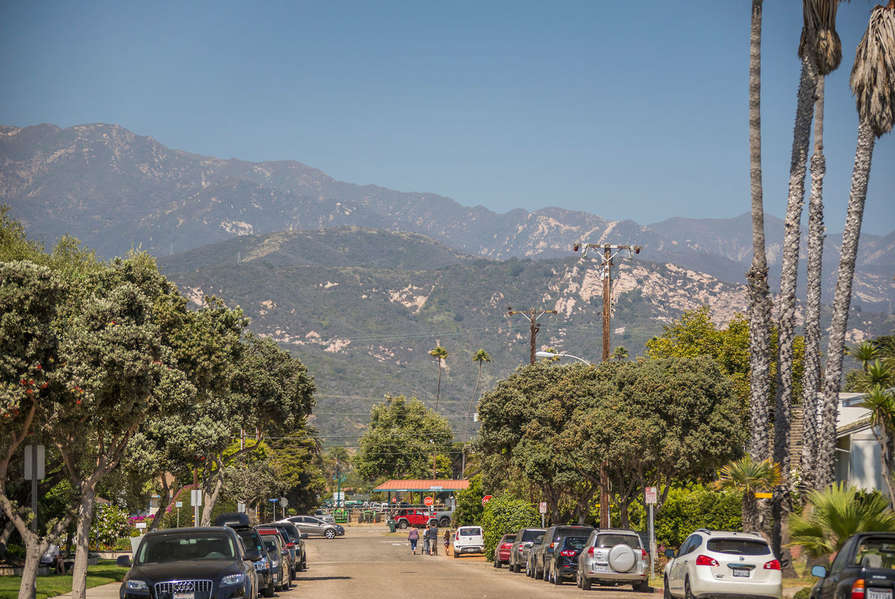 Walk the streets of Carpinteria to get to local food places