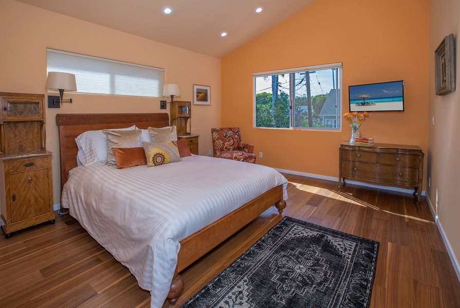 Bedroom #2 w/ TV