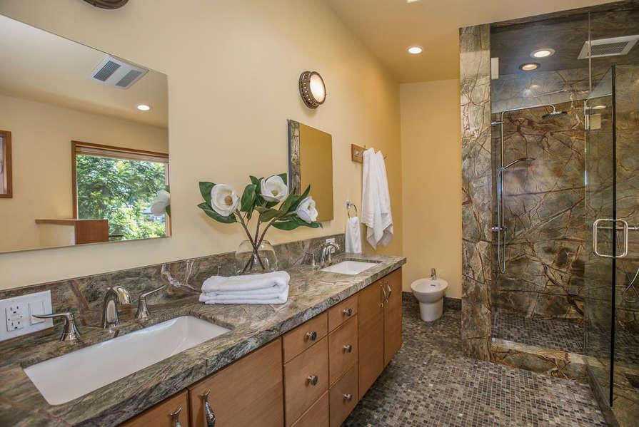 en suite Master Bathroom w/ walk-in steam shower!