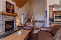 Living Room- Gas Fireplace- Flat Screen Tv- Deck With BBQ