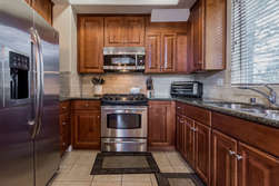 Fully Equipped Kitchen, Granite Counter-tops, Stainless Steel Appliances