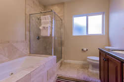 Upstairs Master Bathroom -Tub/Shower