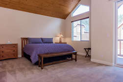 Master Bedroom- King Bed- Flat Screen TV- Walk in Closet-En-suite Bathroom