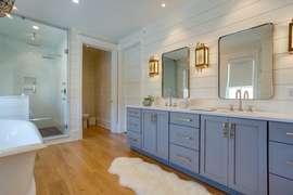 Second master bathroom details