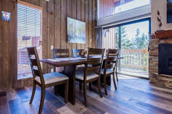 Dining Table Seating Up To 6- Deck With Amazing Views!