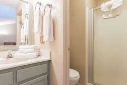 Shared full bathroom #2