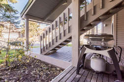 Outdoor patio with private gas BBQ
