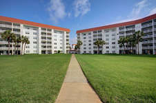 Buildings 1 & 2 Courtyard