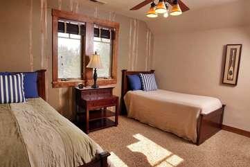 Bedroom 4 Twin Beds Upstairs